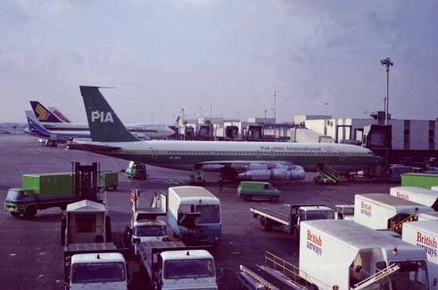 AP-AWZ at Heathrow
