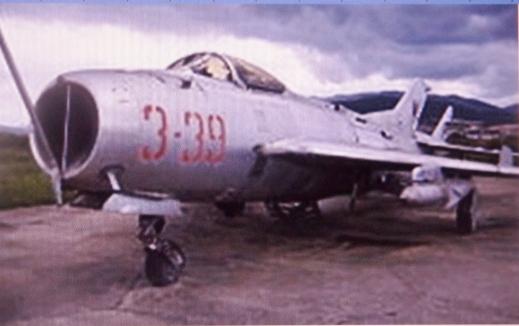 an-albanian-shenyang-j-6c-in-kucova-airbase