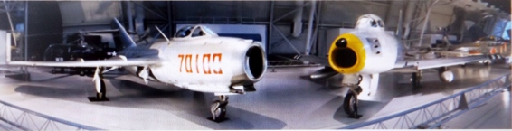mig-15-left-and-f-86-sabre-right-on-display-at-the-steven-f-udvar-hazy-center-national-air-and-space-museum