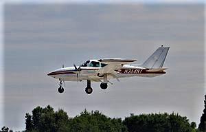 N364NY_Cessna_310_CVT_12-08-15_(20333207180)
