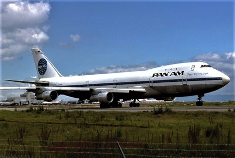 Boeing_747-121,_Pan_Am_JP5894156